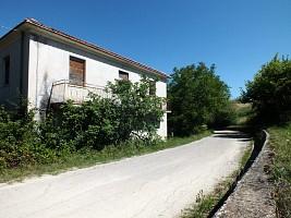 Casale o Rustico in vendita Via Barbarossi Manoppello (PE)