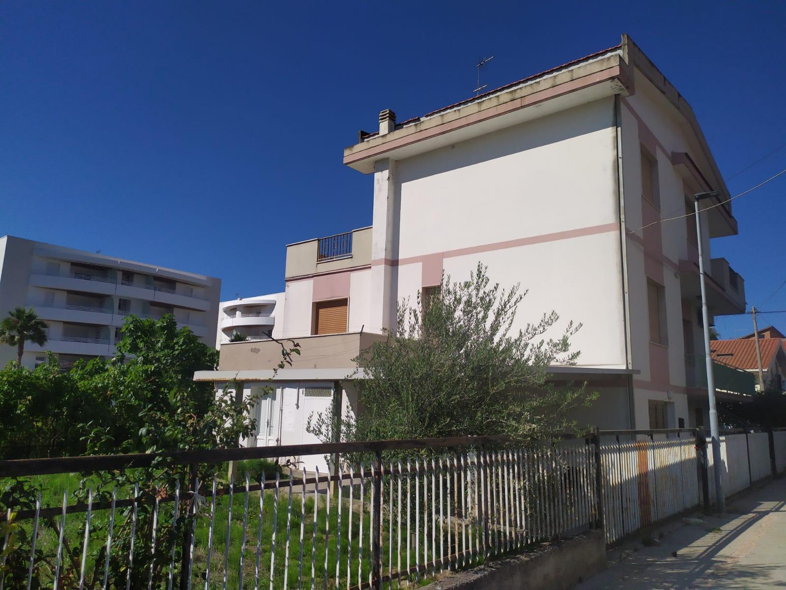 Stabile o Palazzo in vendita via Tronto Montesilvano (PE)