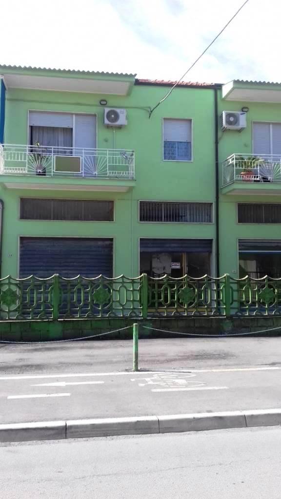 Negozio o Locale in vendita via fontanelle Pescara (PE)