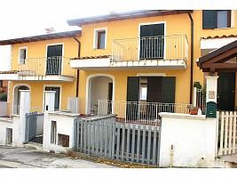 Villa a schiera in vendita Via E. Berlinquer 26 Loreto Aprutino (PE)