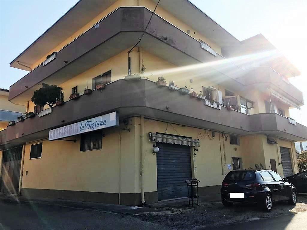 Capannone in vendita via lago maggiore San Giovanni Teatino (CH)
