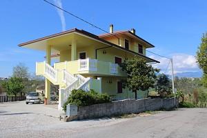 Villa trifamiliare in vendita via Ancona Pianella (PE)