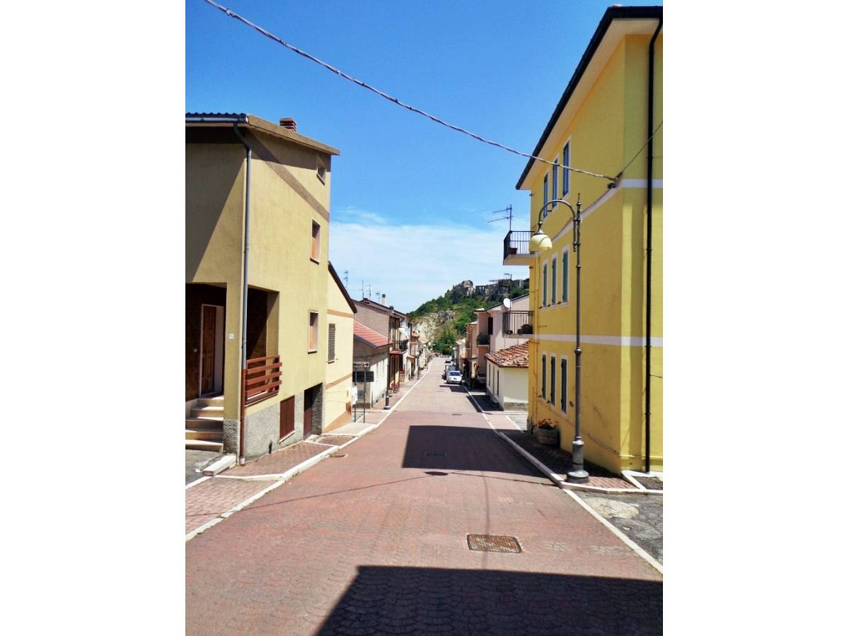 Appartamento in vendita in corso italia  a Montebello sul Sangro - 3523682 foto 2