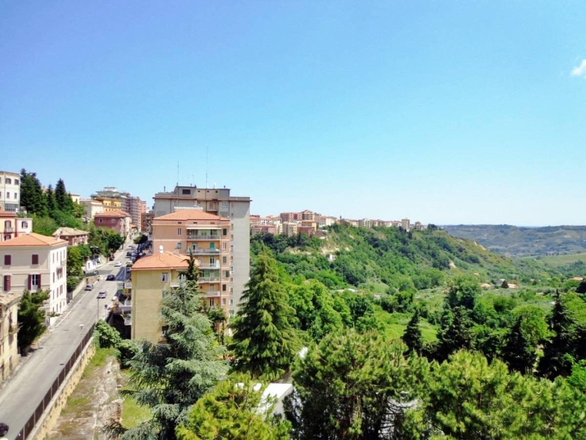 Appartamento in vendita in via san francesco da paola zona Clinica Spatocco - Ex Pediatrico a Chieti - 8602926 foto 2