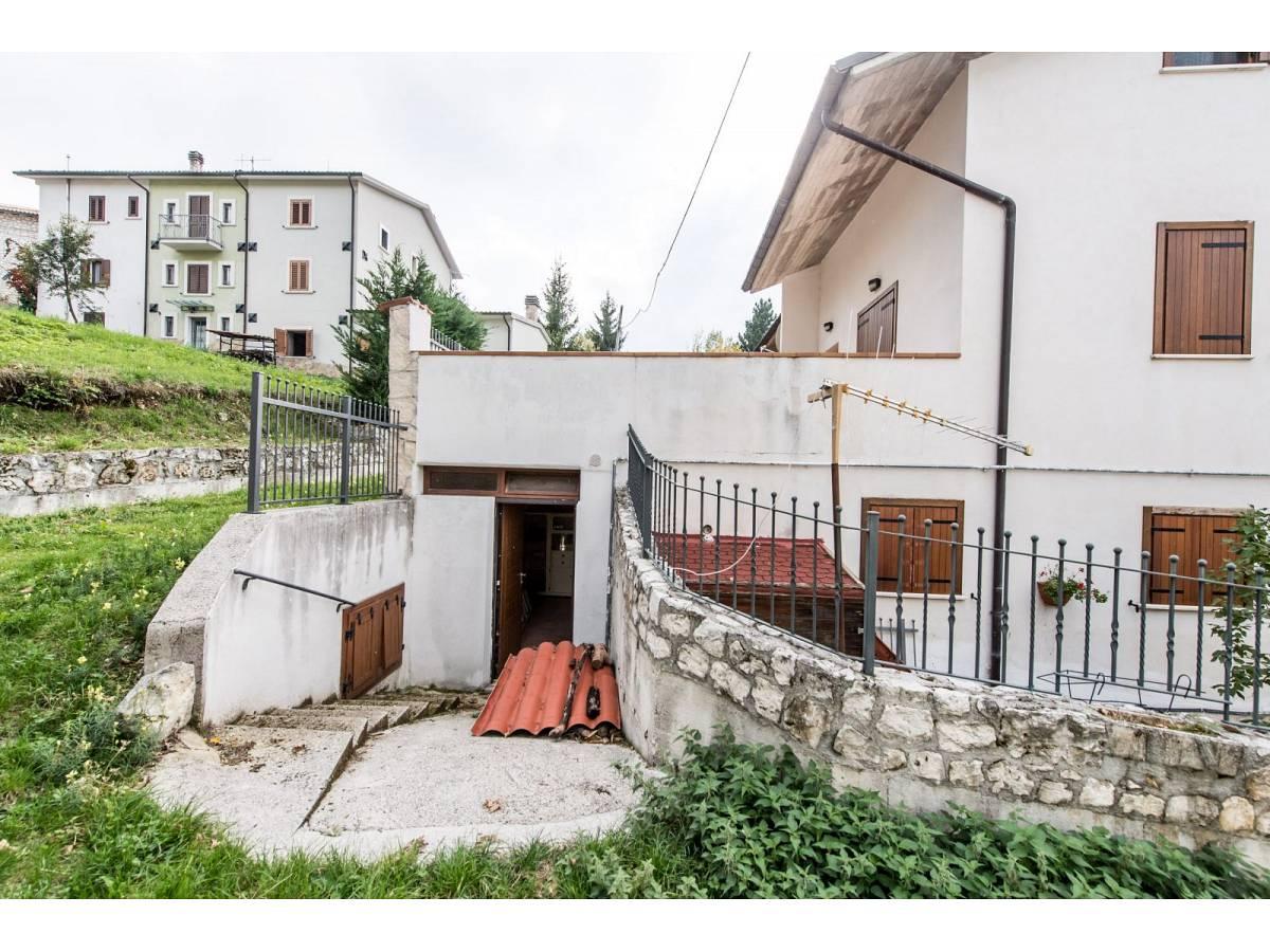 Villetta in vendita in VIA GRAN SASSO  a Sant'Eufemia a Maiella - 4029496 foto 3