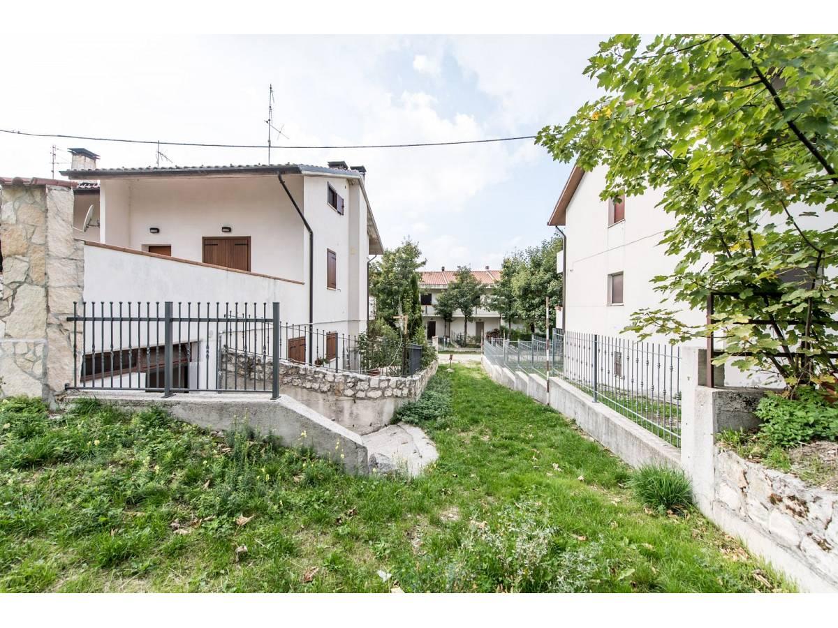 Villetta in vendita in VIA GRAN SASSO  a Sant'Eufemia a Maiella - 4029496 foto 5