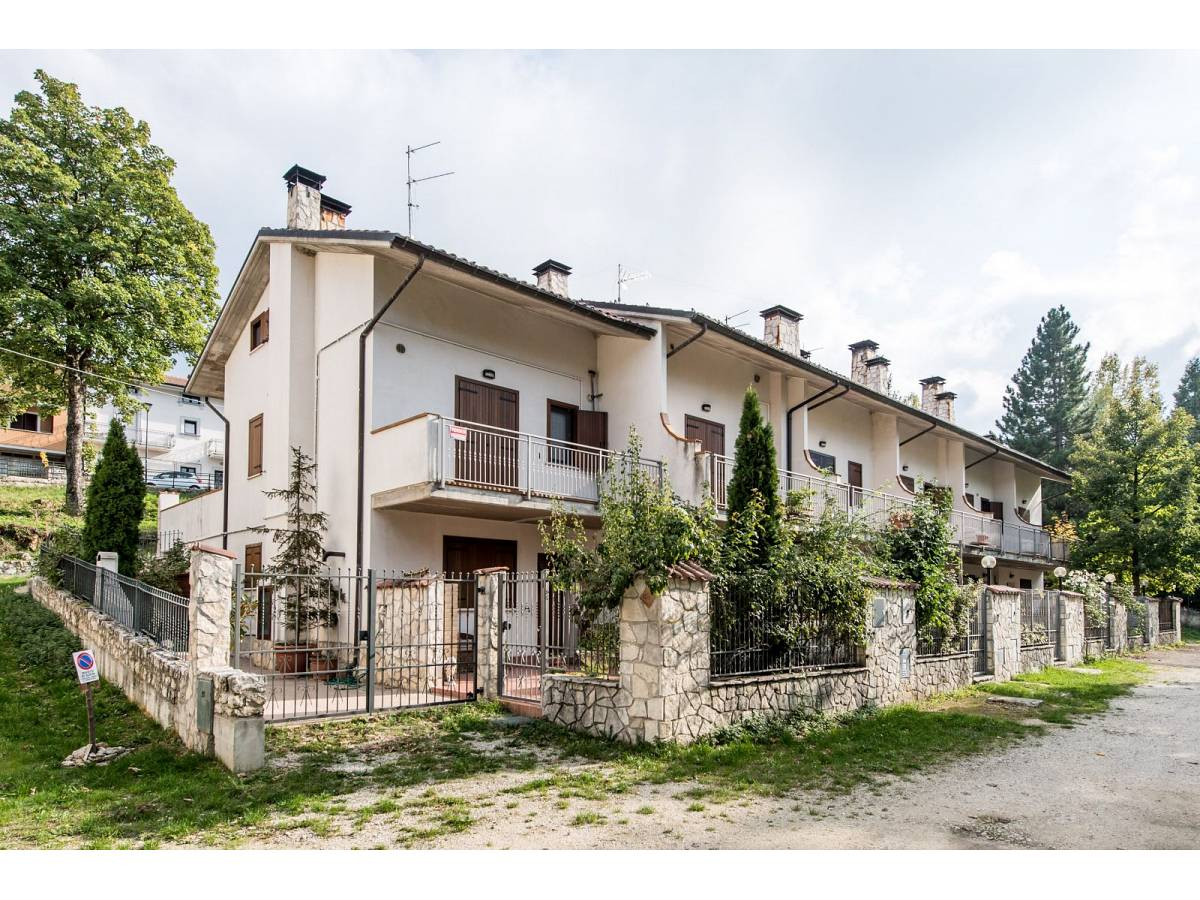 Villetta in vendita in VIA GRAN SASSO  a Sant'Eufemia a Maiella - 4029496 foto 1