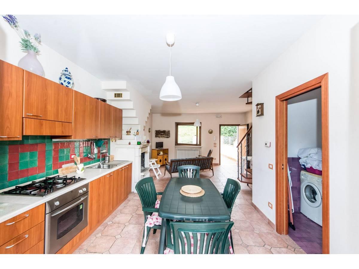 Villetta in vendita in VIA GRAN SASSO  a Sant'Eufemia a Maiella - 4029496 foto 11