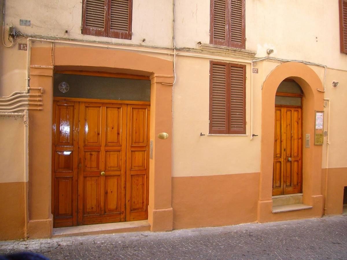 Ufficio in affitto in via mater domini a chieti 193879 for Ufficio affitto