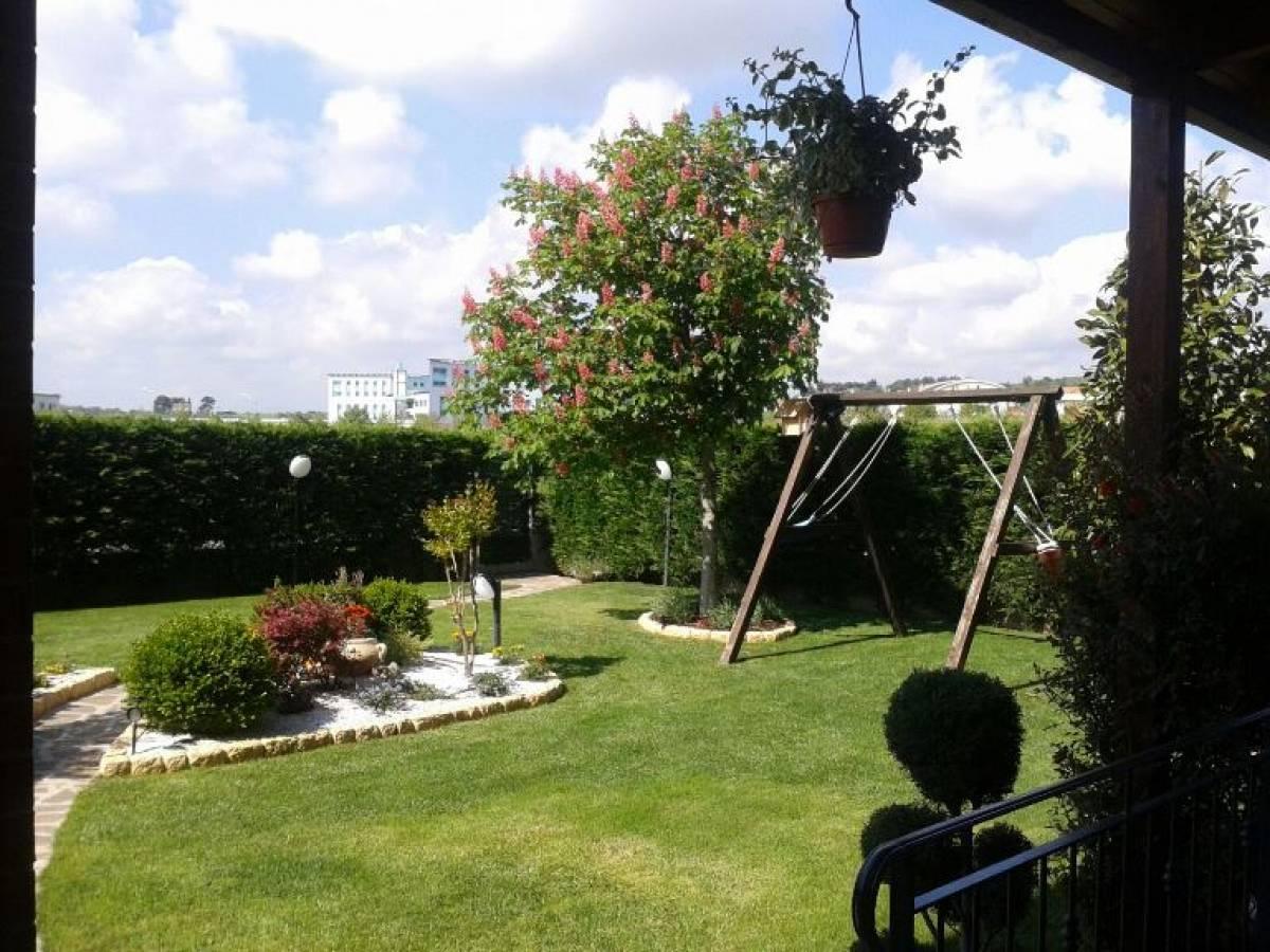 Appartamento in vendita in Via Vittorio de Sica, 10 Villa Raspa  a Spoltore - 5499886 foto 4