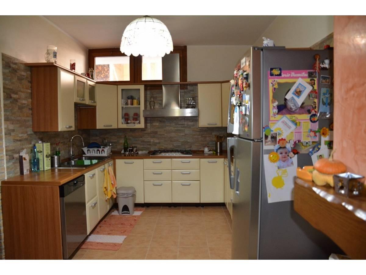 Villa bifamiliare in vendita in Contrada Lazzaretto 83  a Ortona - 9079053 foto 6