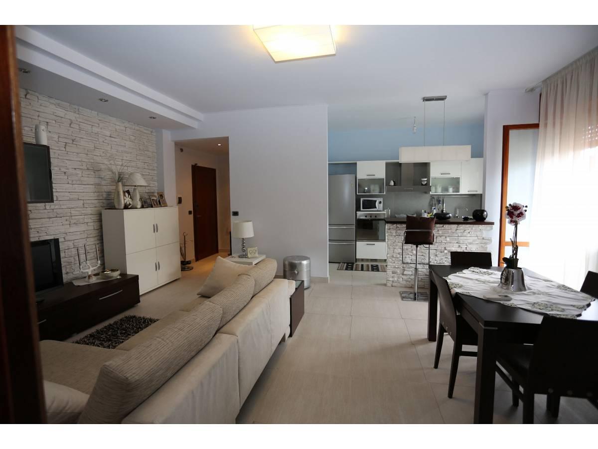 Appartamento in vendita in via aventino a francavilla al for Arredamenti aventino vendita fallimentare