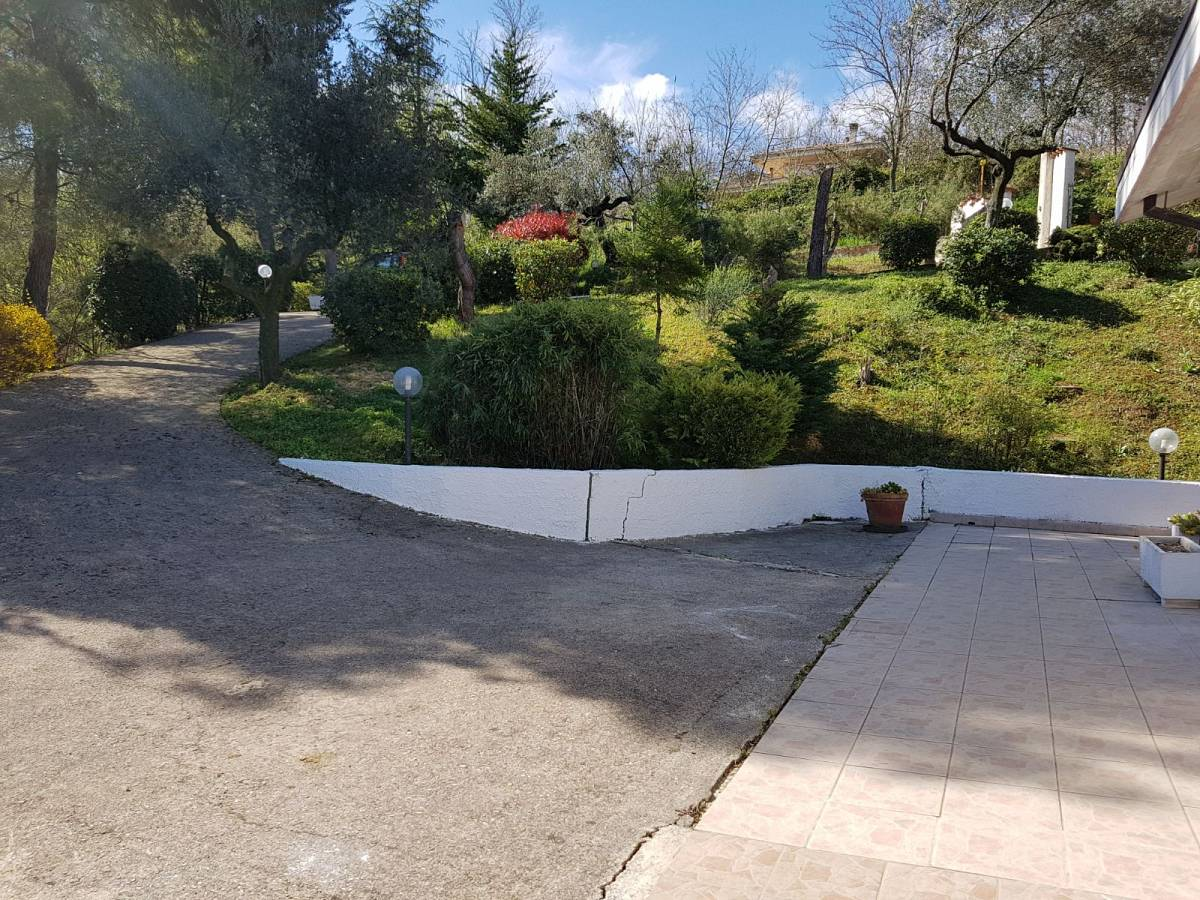 Villa in vendita in VIA VIGNA DEL RE  a Cappelle sul Tavo - 586414 foto 3
