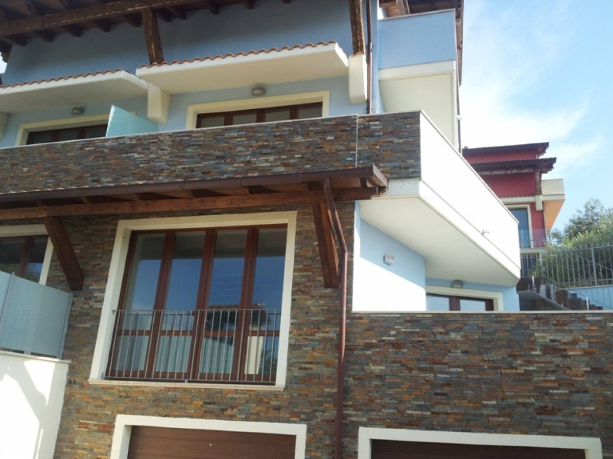 Villa bifamiliare in vendita in c.da Barco zona Colle a Montesilvano - 374506 foto 1