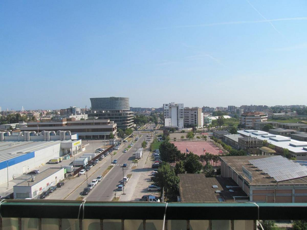 Appartamento in vendita in Via Pietro Nenni 2  a Pescara - 9032126 foto 1