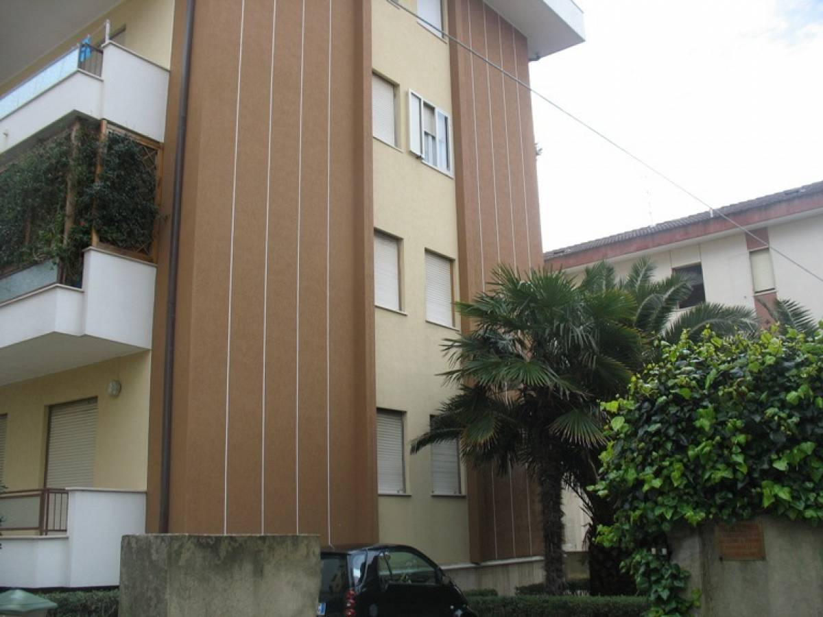 Appartamento in vendita in via delle naiadi   a Francavilla al Mare - 9463205 foto 2