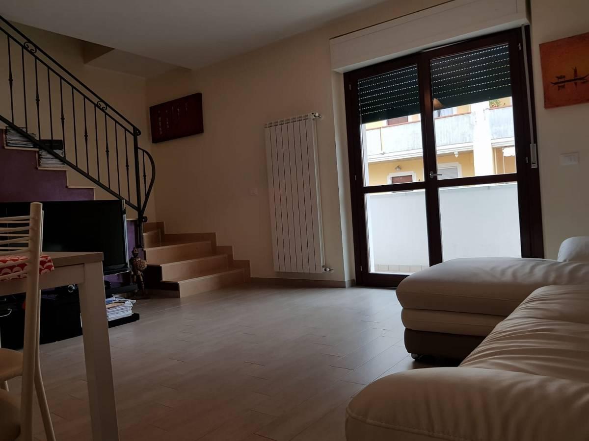 Villa bifamiliare in vendita in via dante 28/c  a Cappelle sul Tavo - 2298705 foto 2