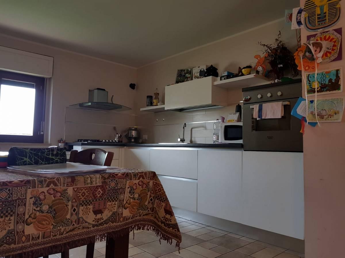 Villa bifamiliare in vendita in via dante 28/c  a Cappelle sul Tavo - 2298705 foto 5