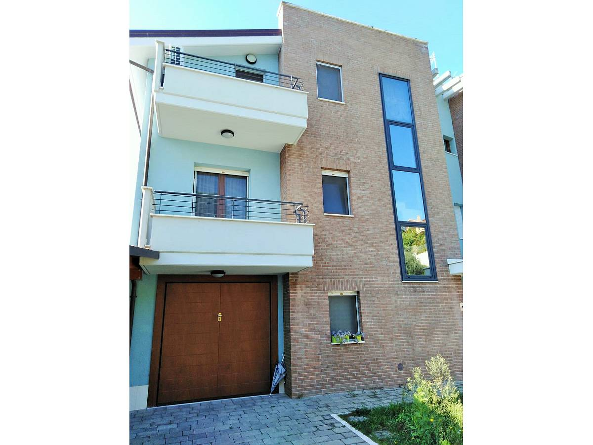 Villa a schiera in vendita in strada chiappinello zona Colle a Montesilvano - 1265773 foto 1