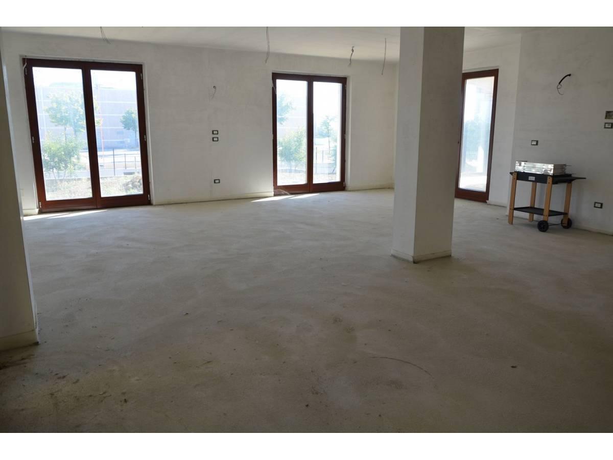 Villa bifamiliare in vendita in via alberto coppa  a Città Sant'Angelo - 6085682 foto 8