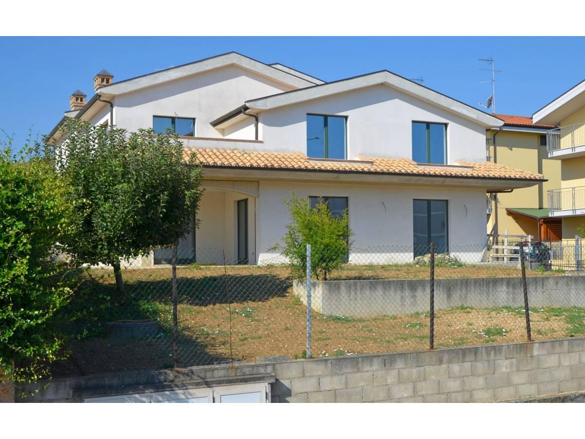 Villa bifamiliare in vendita in via alberto coppa  a Città Sant'Angelo - 6085682 foto 6