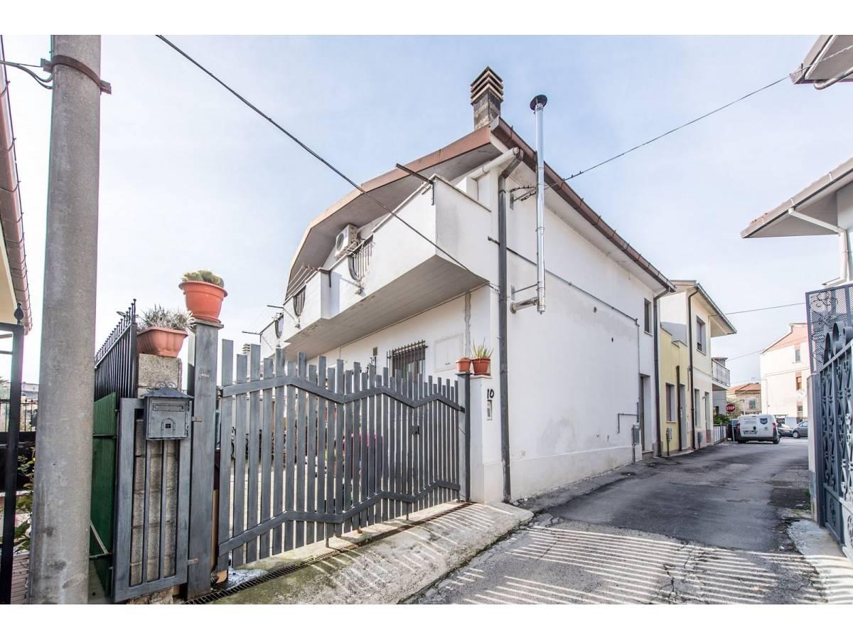 Casa indipendente in vendita in VIA TRENTO  a Pianella - 8141373 foto 1