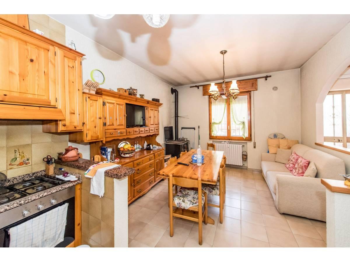 Casa indipendente in vendita in VIA TRENTO  a Pianella - 8141373 foto 4