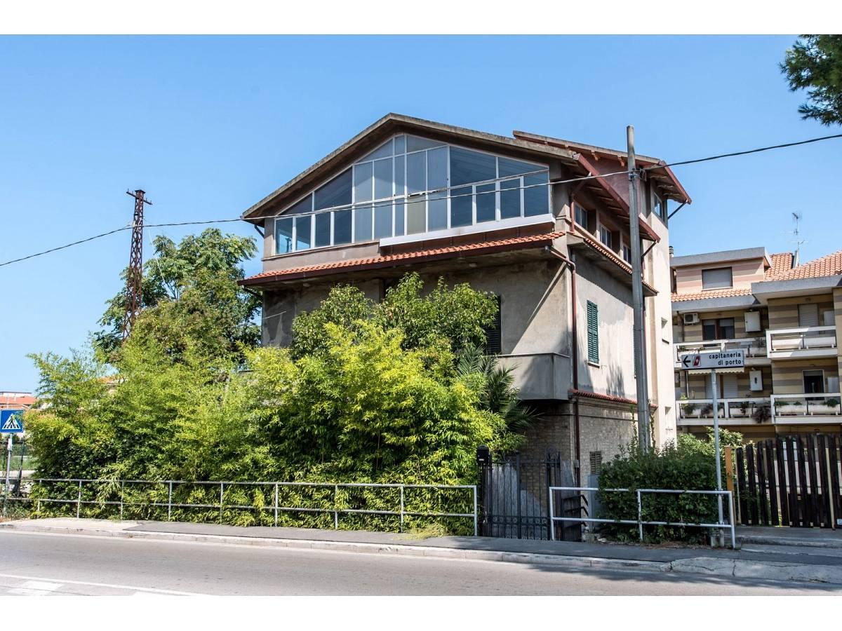 Casa indipendente in vendita in Via Nazionale Adriatica 37  a Francavilla al Mare - 5905191 foto 2