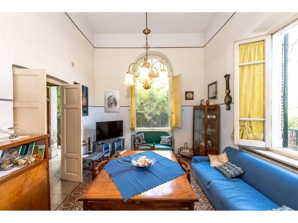 Casa indipendente in vendita in Via Nazionale Adriatica 37  a Francavilla al Mare - 5905191 foto 1