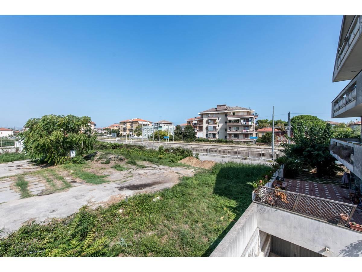 Casa indipendente in vendita in Via Nazionale Adriatica 37  a Francavilla al Mare - 5905191 foto 24