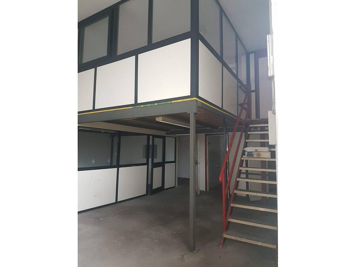 Magazzino o deposito in affitto in VIA MARVIN GELBER zona Scalo Stazione-Centro a Chieti - 8441097 foto 3