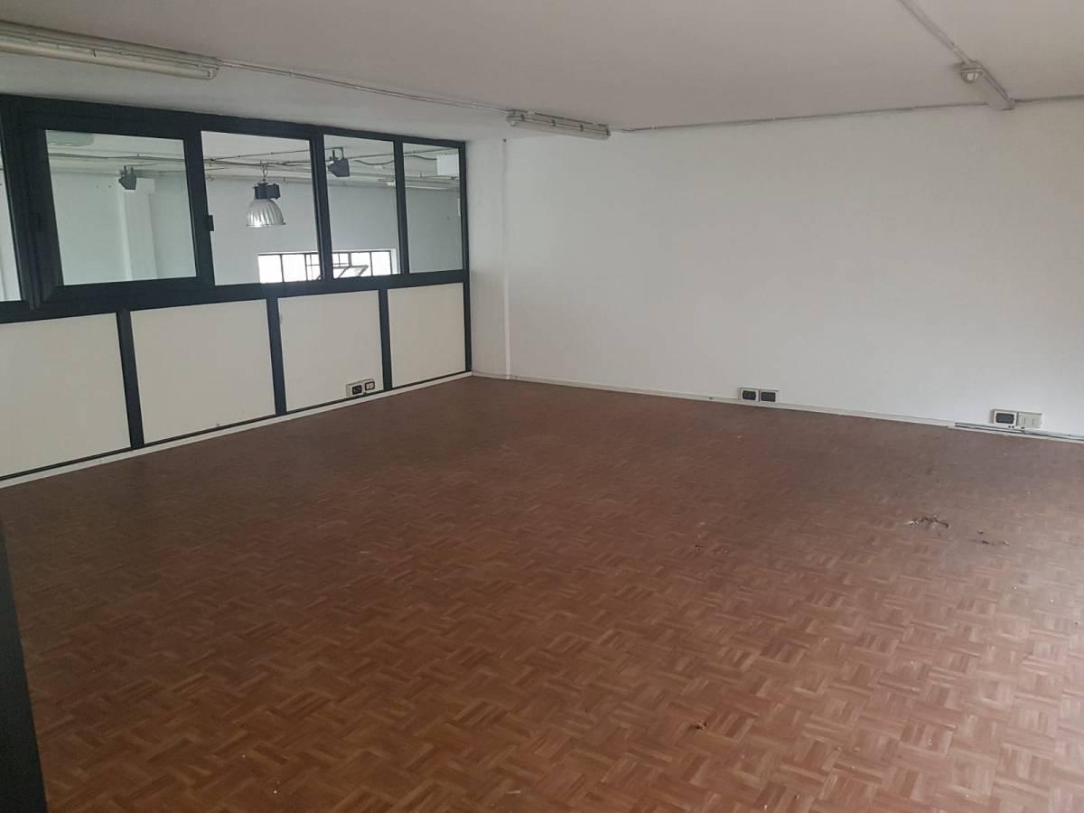 Magazzino o deposito in affitto in VIA MARVIN GELBER zona Scalo Stazione-Centro a Chieti - 8441097 foto 5