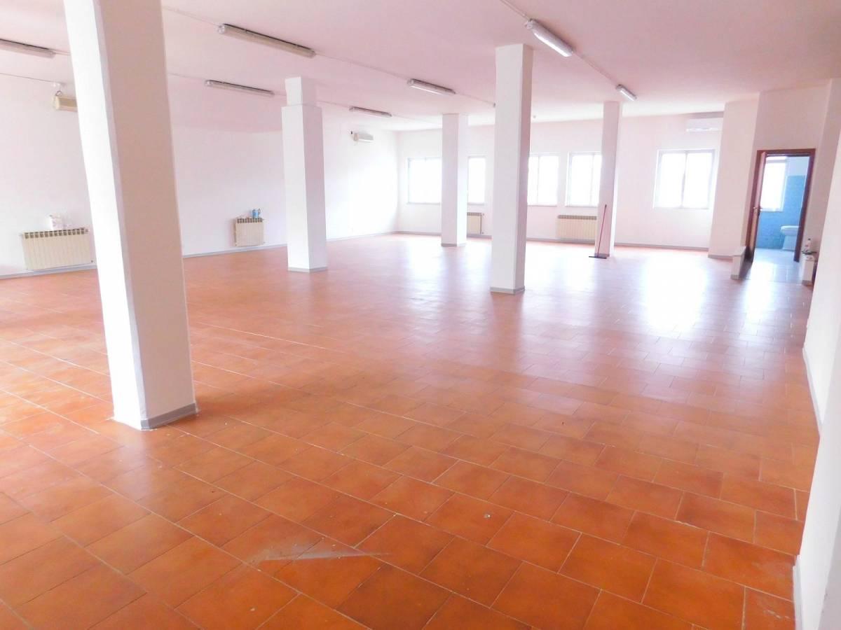 Negozio o Locale in vendita in Via Pietro Nenni zona Dragonara a San Giovanni Teatino - 2654018 foto 1