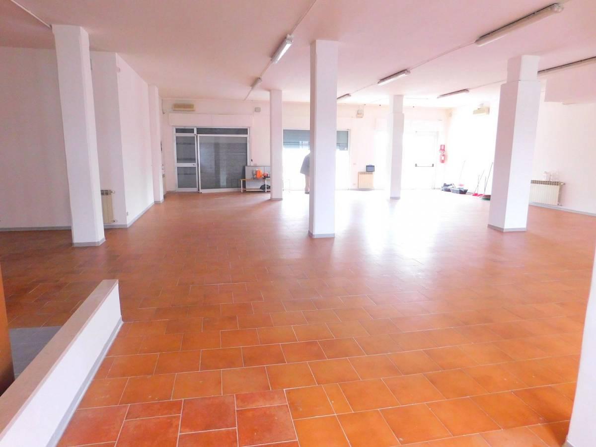 Negozio o Locale in vendita in Via Pietro Nenni zona Dragonara a San Giovanni Teatino - 2654018 foto 5
