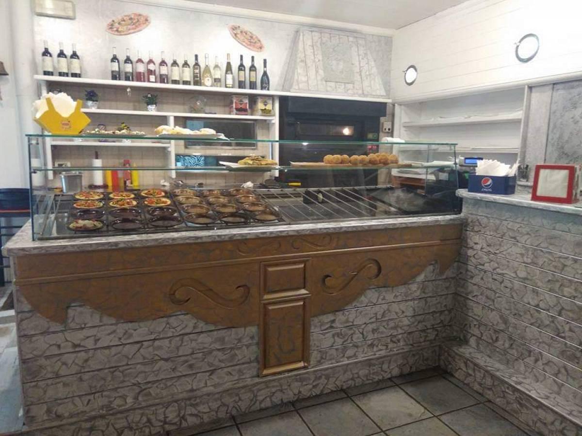 Pizza Asporto in vendita in Viale Nettuno  a Francavilla al Mare - 5358260 foto 2