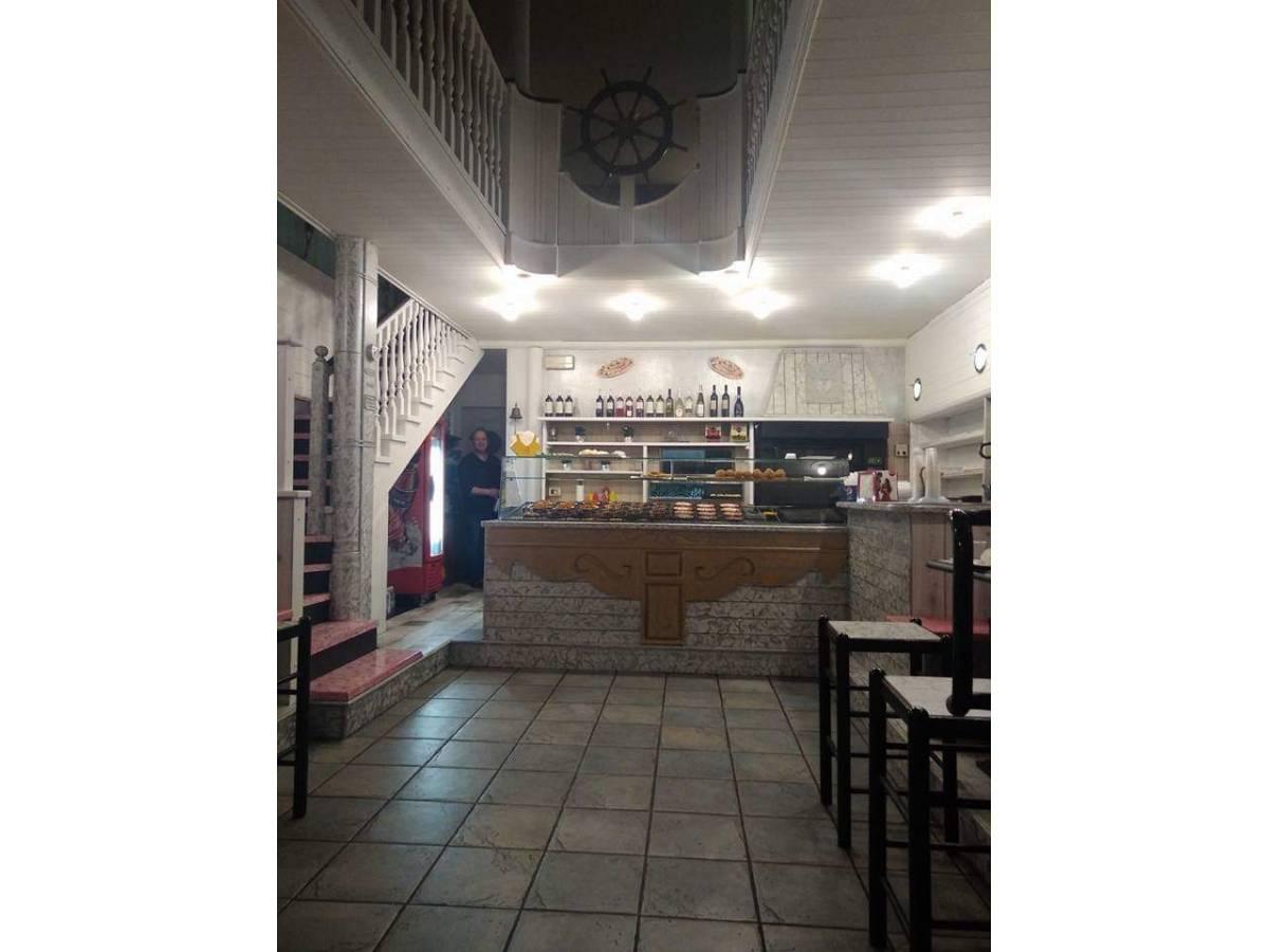 Pizza Asporto in vendita in Viale Nettuno  a Francavilla al Mare - 5358260 foto 1