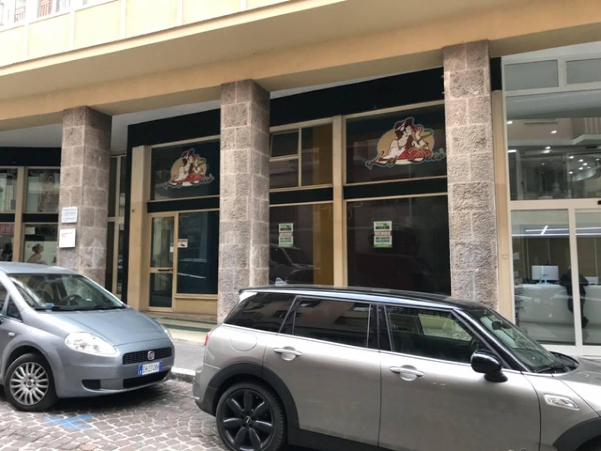 Negozio o Locale in vendita in Via Spaventa, 31 zona C.so Marrucino - Civitella a Chieti - 2837555 foto 2
