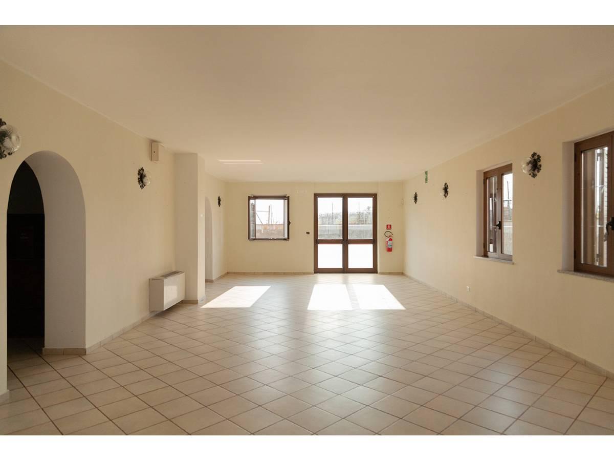 Ufficio in affitto in C.da Sant'Andrea  a Rosciano - 4897034 foto 4