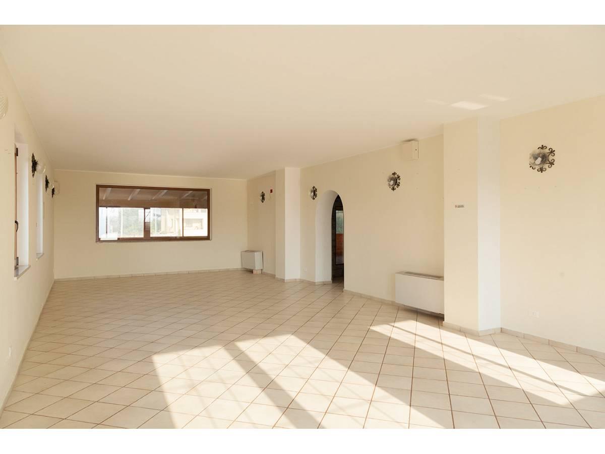 Ufficio in affitto in C.da Sant'Andrea  a Rosciano - 4897034 foto 8