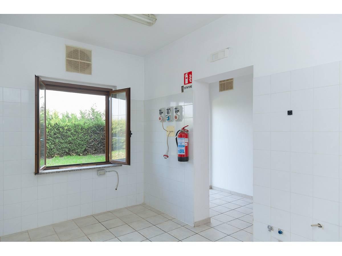 Ufficio in affitto in C.da Sant'Andrea  a Rosciano - 4897034 foto 17