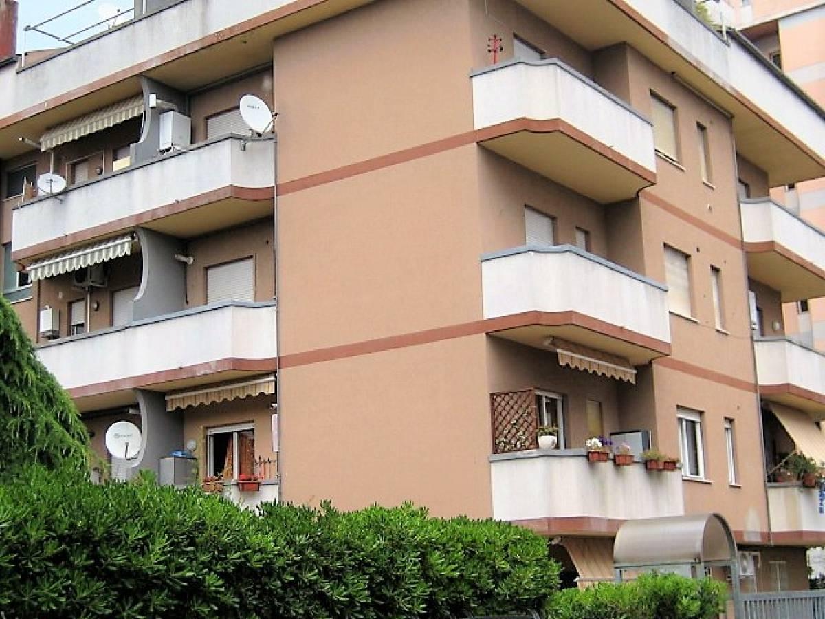 Appartamento in vendita in via adda  a Montesilvano - 3702267 foto 1
