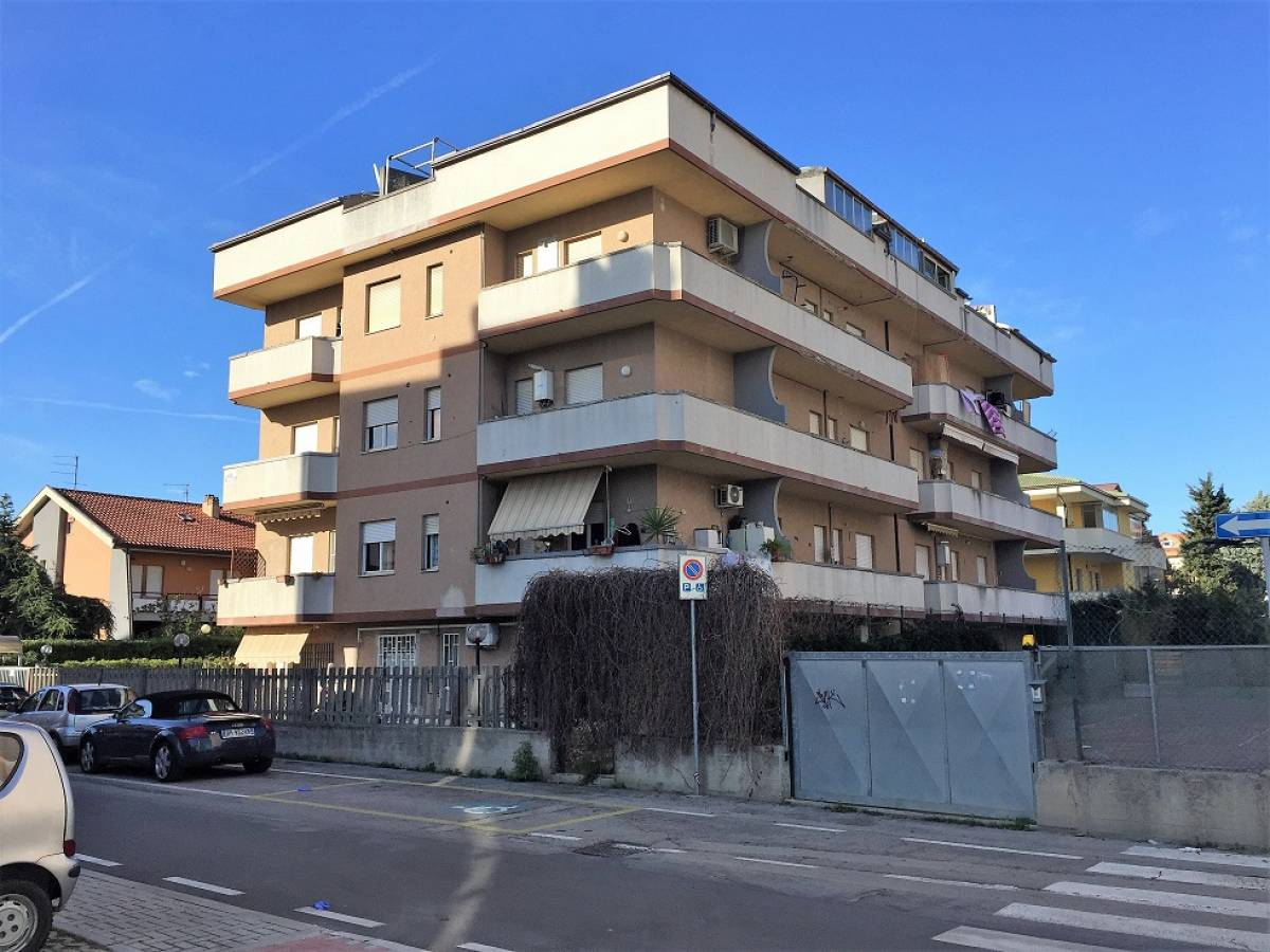 Appartamento in vendita in via adda  a Montesilvano - 3702267 foto 2