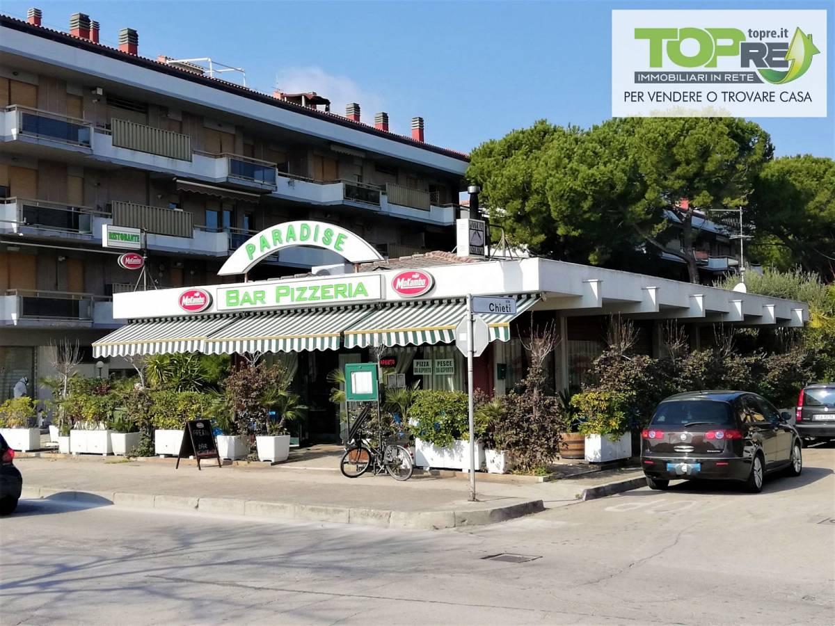 Negozio o Locale in vendita in via D. Alighieri 2 zona Marina a Silvi - 2987902 foto 1