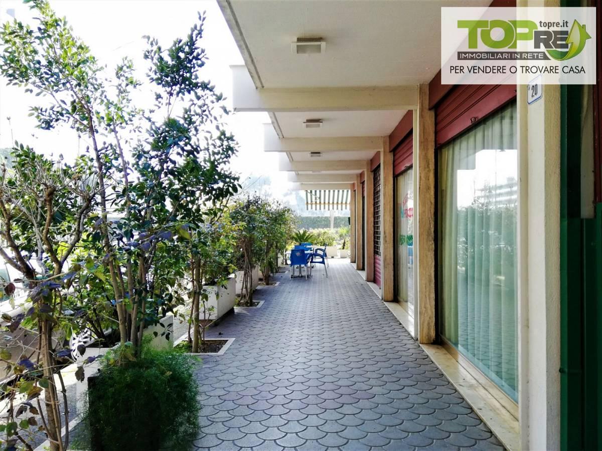Negozio o Locale in vendita in via D. Alighieri 2 zona Marina a Silvi - 2987902 foto 9