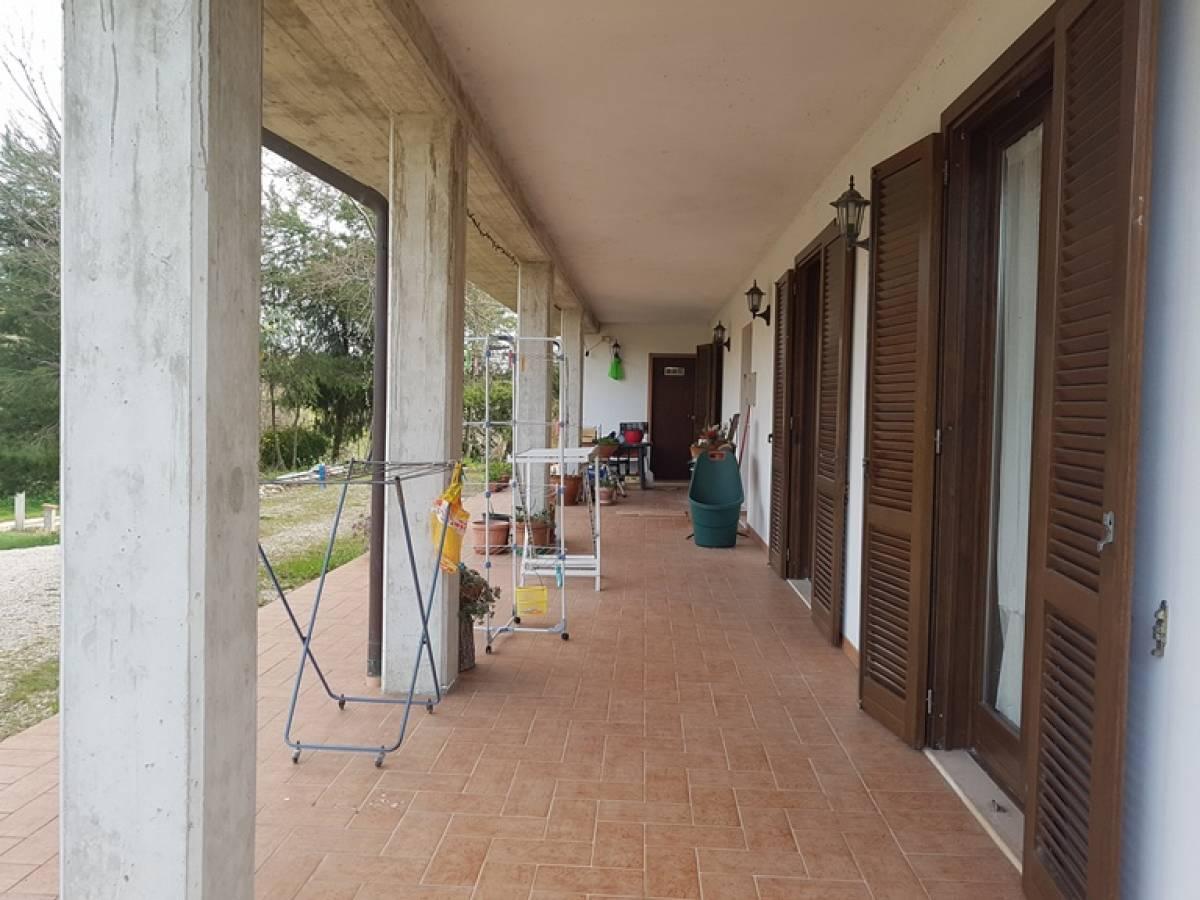 Villa in vendita in c.da Ferrauto  a Loreto Aprutino - 2440781 foto 6