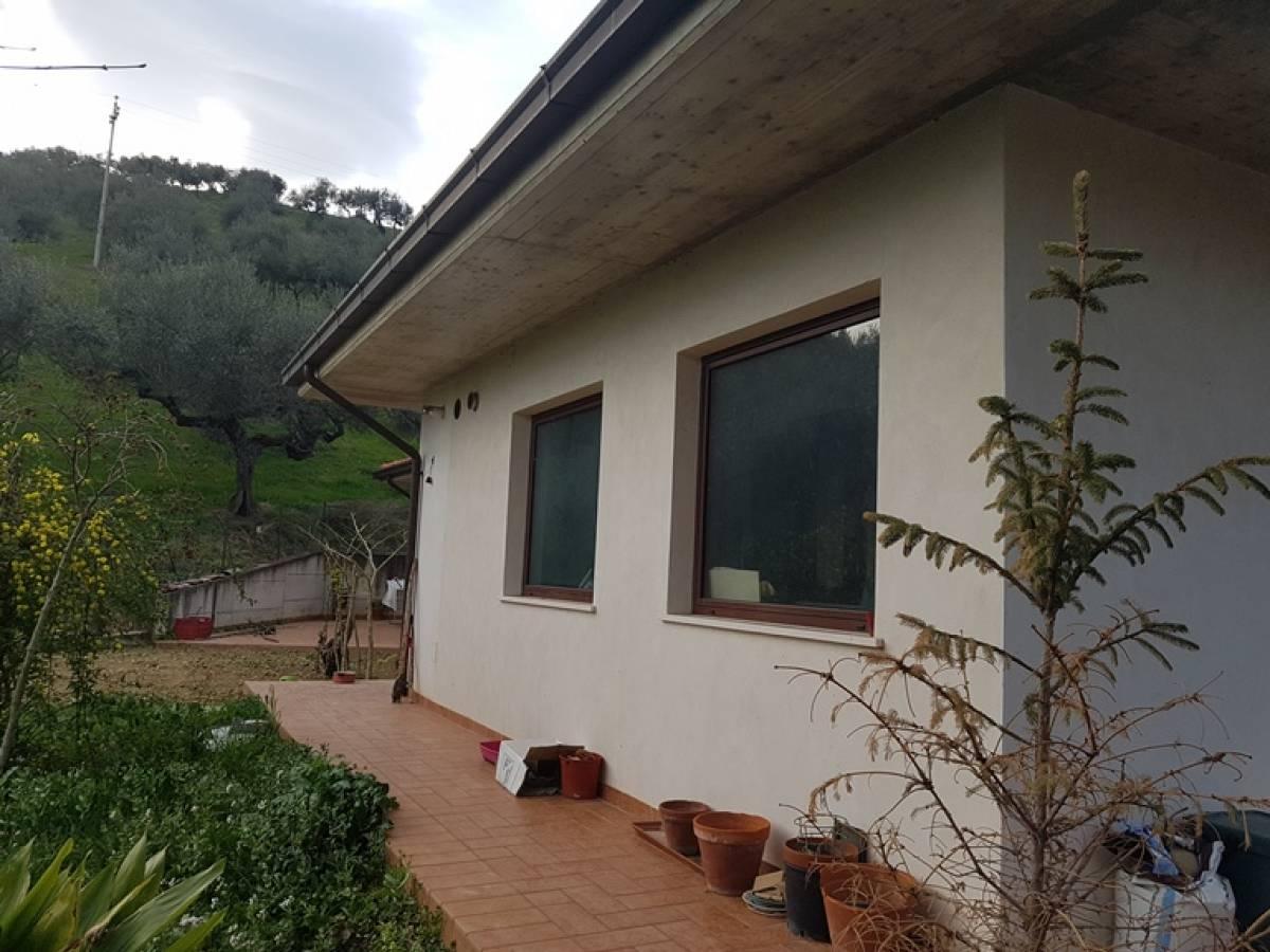 Villa in vendita in c.da Ferrauto  a Loreto Aprutino - 2440781 foto 8