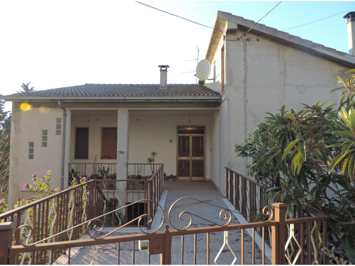 Casa indipendente in vendita in VIA COPPELLI  a Casalincontrada - 5362105 foto 2