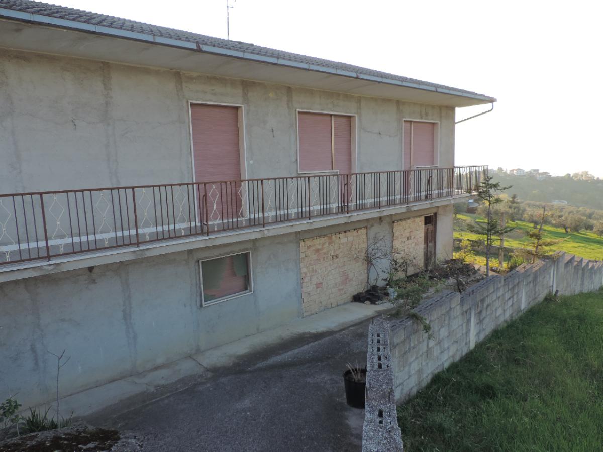 Casa indipendente in vendita in VIA COPPELLI  a Casalincontrada - 5362105 foto 4