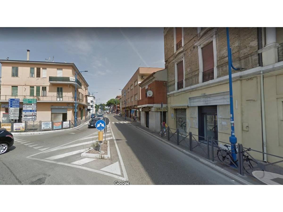 Negozio o Locale in vendita in corso umberto 61 zona Centro a Montesilvano - 5760513 foto 1