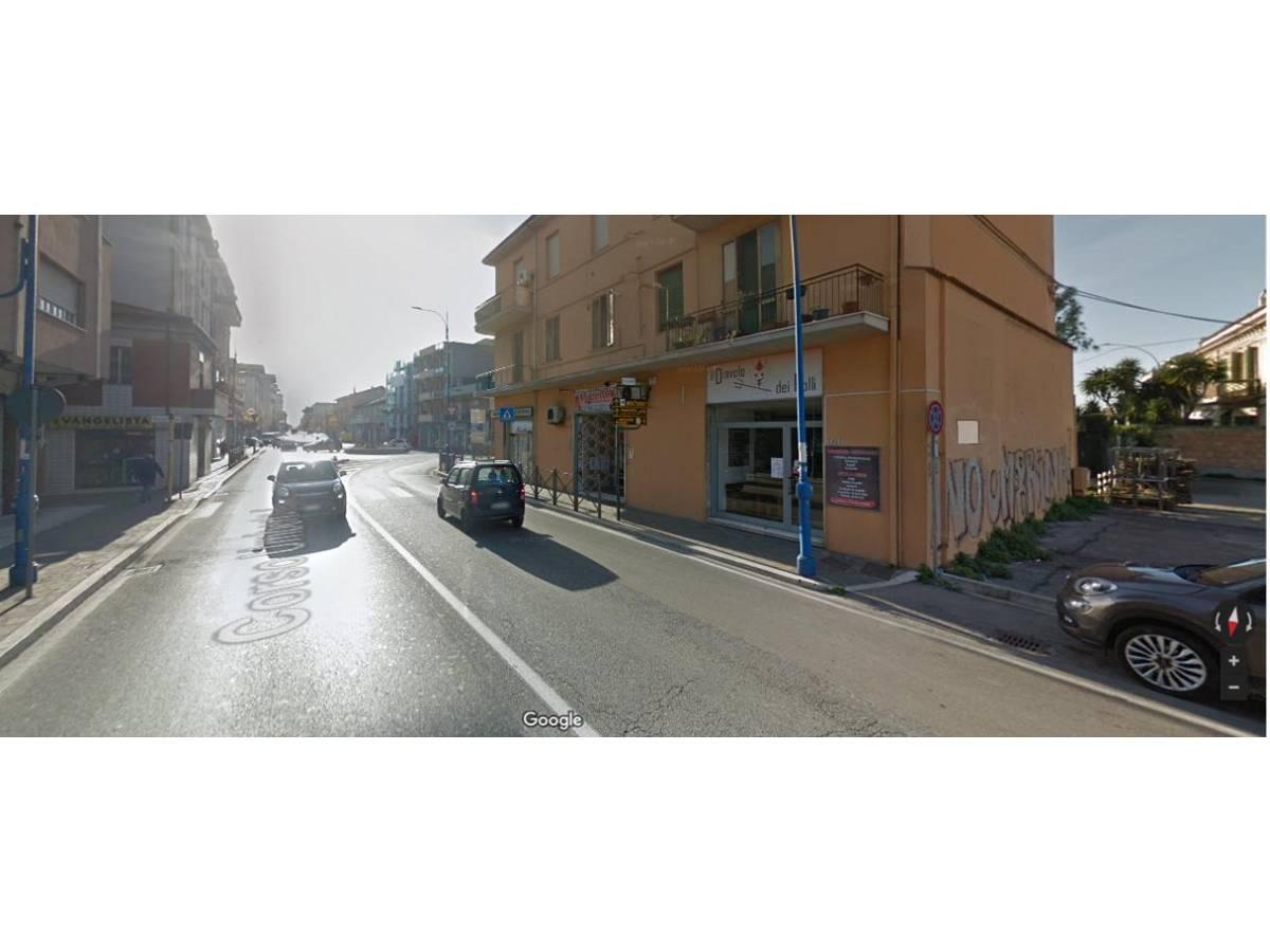 Negozio o Locale in vendita in corso umberto 61 zona Centro a Montesilvano - 5760513 foto 3
